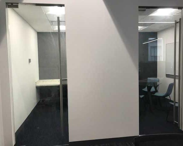 Phone & Hudde Room